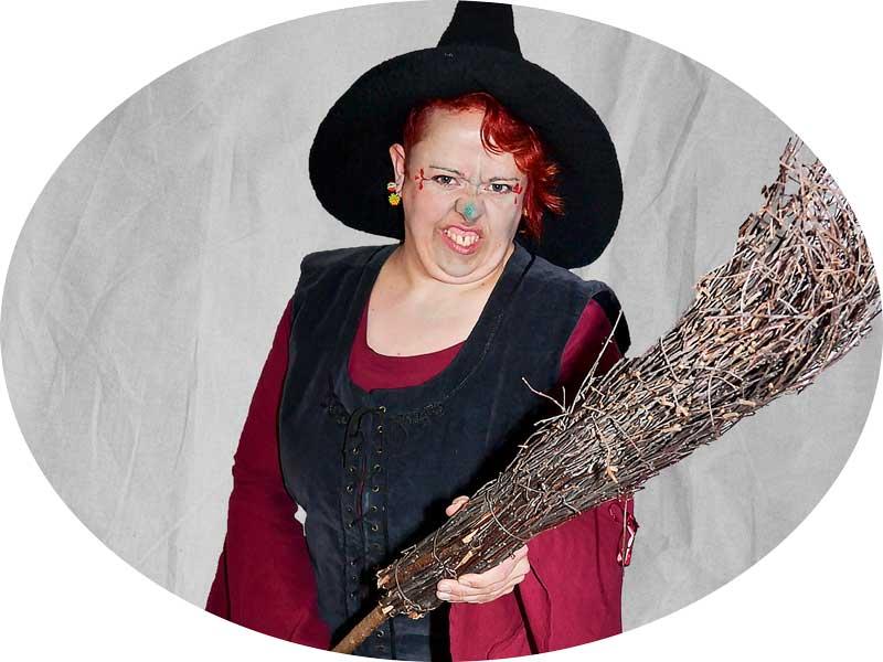 Eine Hexe zum Mieten ? Haben wir. Hier.